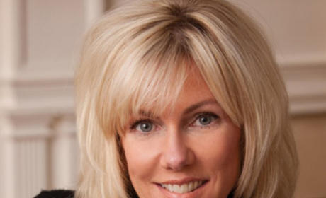 """Rielle Hunter Book Bashes """"Crazy"""" Elizabeth Edwards, Claims John Had Other Affairs"""