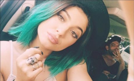 13 Celebrities with Green Hair