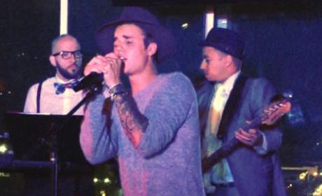 Justin Bieber at the Mic