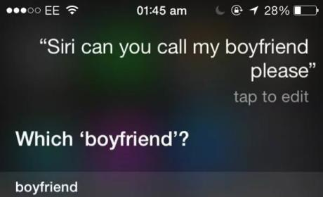 Woman Asks Siri to Call Boyfriend, Two-Timing Ways Inadvertently Exposed