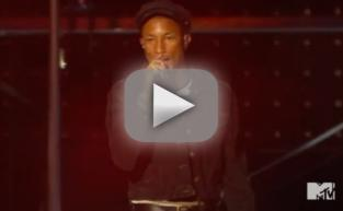 "Pharrell Sings for ""Freedom"" at 2015 VMAs"