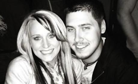 "Jeremy Calvert Says He's ""Done"" With Leah Messer, Flirts With Models on Twitter"