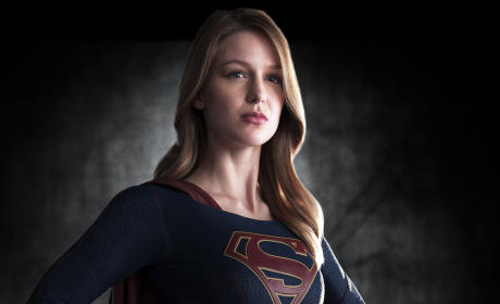 18 Sexy Small Screen Superheroes: We See You, Supergirl!