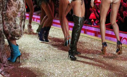 Alessandra Ambrosio, Marisa Miller & Miranda Kerr = Hot!