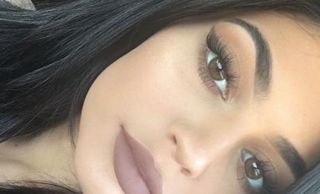 Kylie Jenner Cosmetics: A Total and Complete Failure!