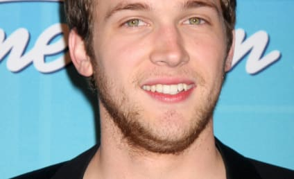 Phillip Phillips Speaks on Surgery