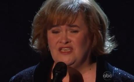 "Susan Boyle Performs ""Unchained Melody"" on Dancing with the Stars"