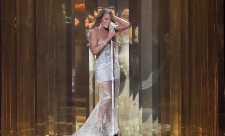 Mariah Carey Stage Performance