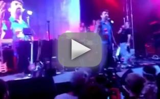 "Jon Hamm and Zach Galifianakis Sing ""We Are the World"" at Bonnaroo"