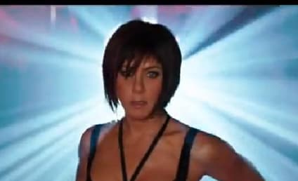 We're the Millers Trailer: Jennifer Aniston as a Stripper!