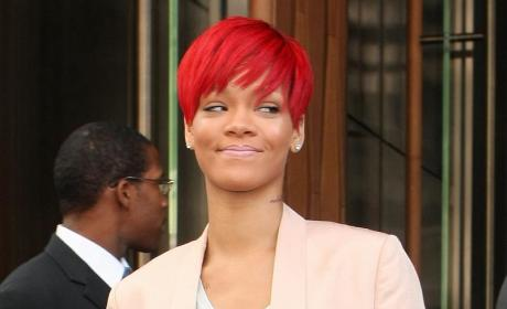 Rihanna's New Neck Tattoo: Hot or Not?