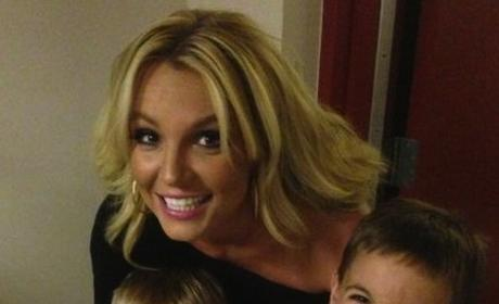 Britney Spears, Boys Pose For Cute Mother's Day Pic