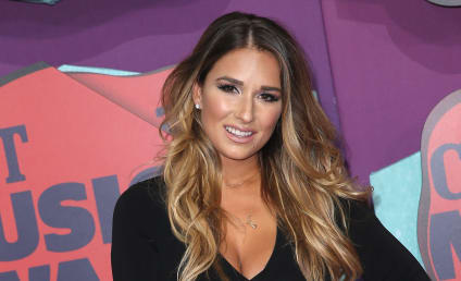 Jessie James Decker: So ... This Is My Breast Pump