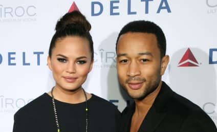 Chrissy Teigen Rumors: Model Denies John Legend Cheated, Threatens to Murder Fake Bathroom GF