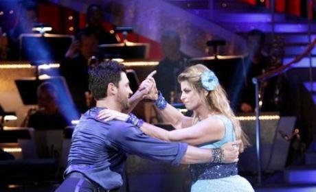 Dancing With the Stars Recap: Insta-Dance Returns, Chelsea and Mark Waltz to the Top!