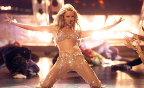 Britney Spears: 2000 MTV Video Music Awards Performance