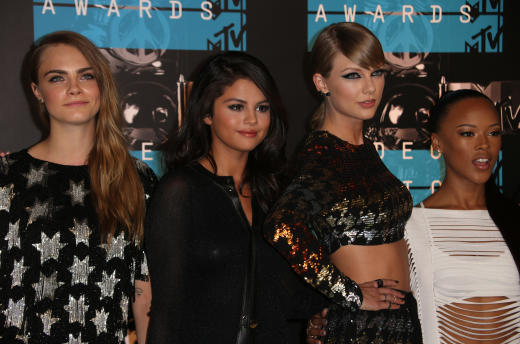 Taylor Swift, Squad: 2015 VMAs
