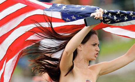Presidents Cup Streaker: Red, White and Birthday Suit