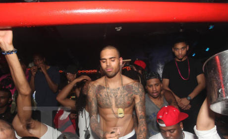 Chris Brown Shirtless Pic