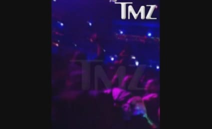 Lil Wayne Makes it RAIN at Da Club