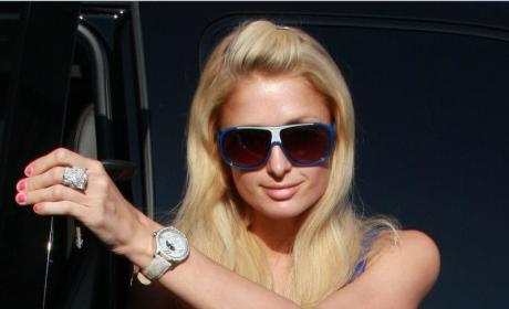 Paris Hilton Sued For Pulling Out of Event