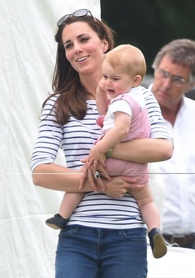 Kate Middleton with Prince George Pic