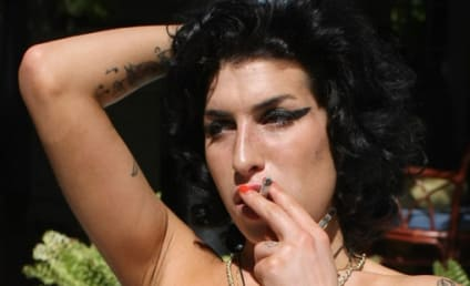 Mitch Winehouse Hospitalized; Amy Lights Up Smoke