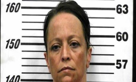 Tennessee Woman Hides Stolen Cash in Rectum