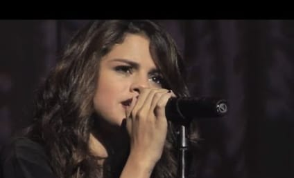 "Selena Gomez Goes Acoustic, Strips Down ""Come & Get It"""