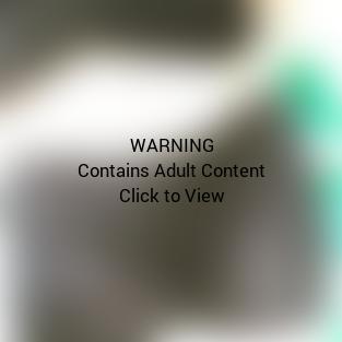 Lena Dunham Crotch Selfie