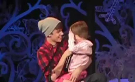 AWWWW Alert: Justin Bieber Sings with Sister