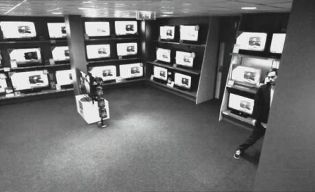 Smart Thief Tries, Fails to Gank Flat Screen TV