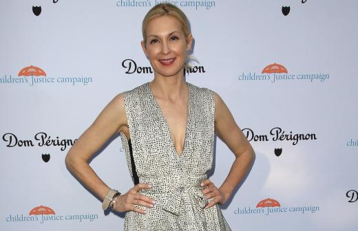 Kelly Rutherford signature