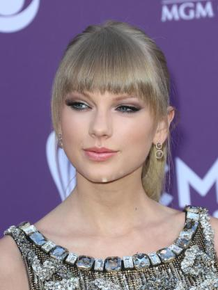 Taylor Swift at ACMs