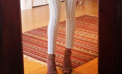 Rosie Huntington-Whiteley: Topless on Instagram!