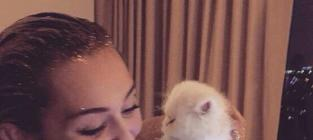 Miley Cyrus with a Cat