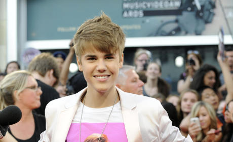 Tiffani Thiessen to Justin Bieber: Back at Ya!