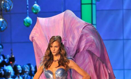 Karlie Kloss, Victoria's Secret Fashion Show
