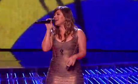 Kelly Clarkson and Bruno Mars Perform on The X Factor: Watch Now!