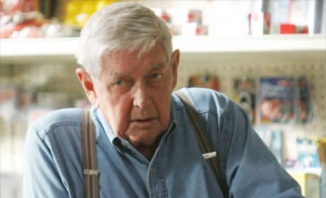 Ralph Waite Dies; Emmy-Nominated Actor Was 86