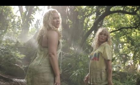 """Amy Schumer and Goldie Hawn Parody """"Formation"""""""