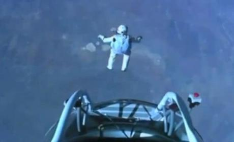 Felix Baumgartner Space Jump: Daredevil Completes 128,000-Foot Free Fall Skydive