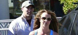 Britney Spears and David Lucado: Going Strong, Going Tanning!