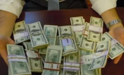 Man Finds $98K in Desk Bought on Craigslist, Returns it to Original Owner