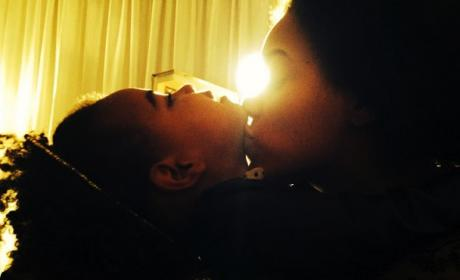 Beyonce Shares Blue Ivy Photos Online, Adorably Wins the Internet!