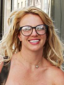 Britney Spears, Glasses
