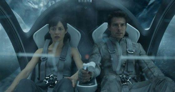 Tom Cruise and Olga Kurylenko in Oblivion