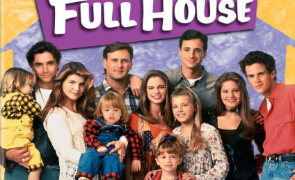 "John Stamos Defends Full House, ""Unrealistic"" TV Shows Against Blogger Who Called Them ""Dumb"""
