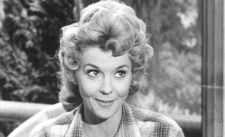 Donna Douglas Dies: Beverly Hillbillies Star Was 81