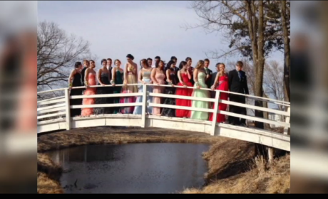 Nebraska Students Pose for Prom Photo, Collapse Bridge